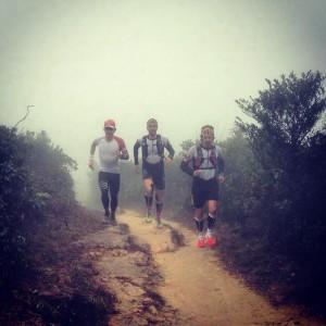 Pau Capell, Yeray Duran y  Pau Bartoló entrenando por Hong Kong. Foto (c) Pau Capell